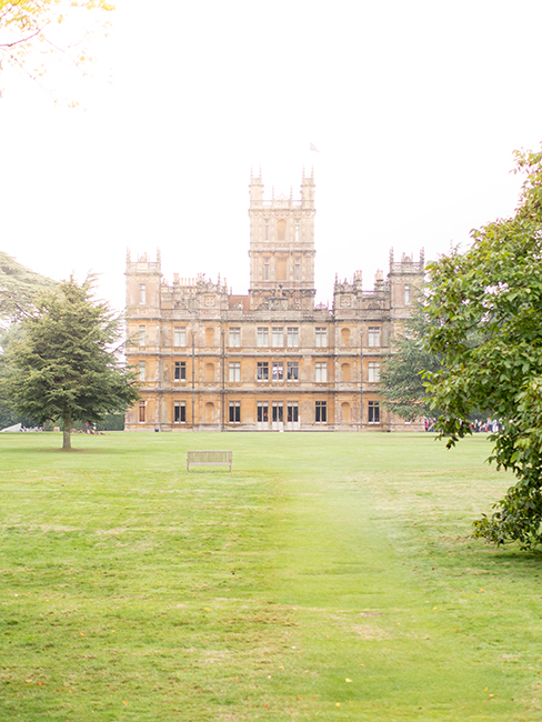 Highclere castle le ch teau de downton abbey blog lili c lestine - Chateau downton abbey ...